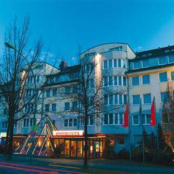 Wassmannsdorf  - LEONARDO HOTEL BERLIN CITY ...