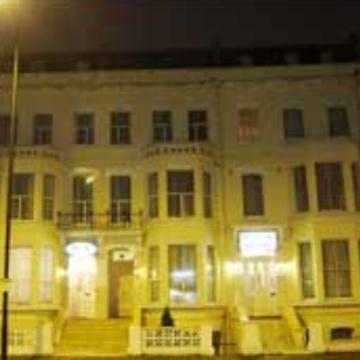 Londres  - PLAZA HOTEL 2*